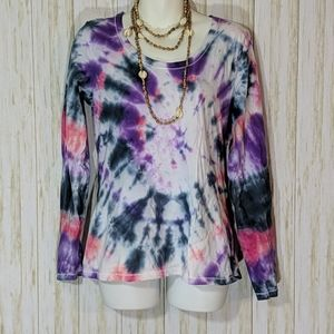 Hanes Hand tie dyed top size M